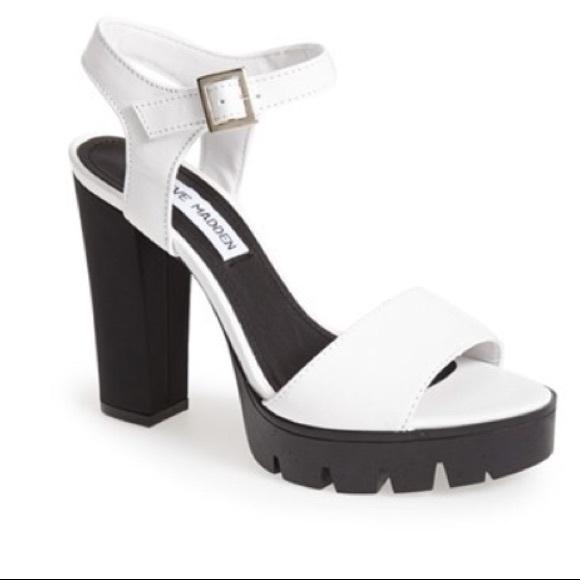df172dfcd41c Steve Madden Traviss chunky heel sandal. M 5b71b1c8a31c33fce31701ac